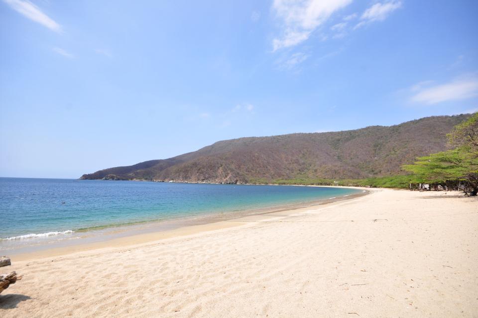 bahia-concha-tayrona-tour-playa-santa-marta-colombia-diving-tayrona-park